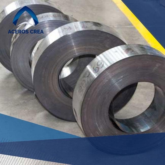 La cinta de acero es un elemento de uso para producción de materiales que se encuentra disponible en Aceros Crea. Envíamos a todo el país.